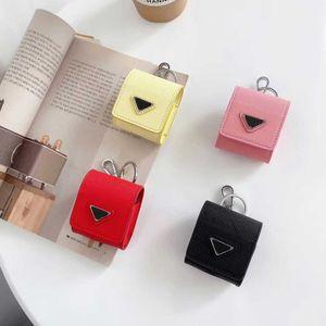 Fashion Designers Airpods Caso Backpack Estilo 4 cores Airpods pacote com o Padrão Triângulo Invertido com Keychain