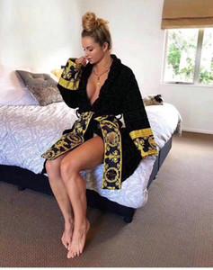 Ropa de diseñador 5 colores 100% algodón superior calidad 2021 mujeres populares hombres baño bata ropa dormir europeo y americano envío gratis