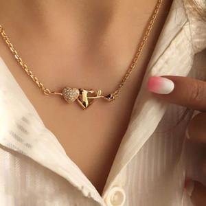 1Pcs Romantic Mulheres Colares Seta visto o coração de Cristal Pingente Clavícula Colar Chain do ouro Exquisite Acessórios presente de casamento