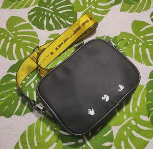 33412 Marke Mini Männer aus gelbem Segeltuch Gürtel Hohe weiße Umhängetasche Kameras Tasche Tasche Multi Zweck Satchel Umhängetasche Messenger Frauen
