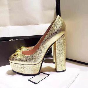 Hot Sael-Donne Tacchi colorati Sandali Top Quality T-Strap Pompe con tacco alto 6 colori Dress in pelle verniciata da donna Singola scarpe