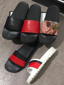 Tasarımcı Flip Flop Terlik Kadın Sandalet Kauçuk Slayt Çiçek Brocade Erkekler Terlik Dişli Dipleri Kadınlar Çizgili Plaj Terlik Kutusu