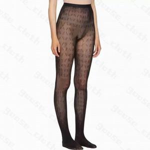 Con scatola Nuove calze per le donne Sexy Ins Fashion Fashion Lussurys Designer traspirante Calzini per calze per le gambe Donne Womens Winter Letter Calzini stampati