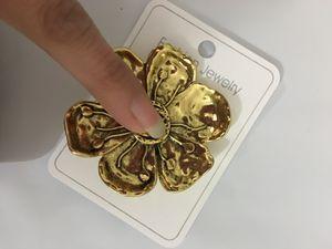 Hot novo produto listando rico flor broche selvagem bronze velho vintage carta pino broche feminino frete grátis