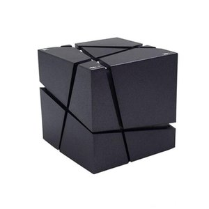 새로운 Qone 미니 큐브 스피커 3D 스테레오 사운드 휴대용 블루투스 스피커 무선 뮤직 박스 지원 TF 카드와 소매 상자 좋은 2018