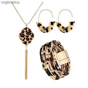 Aleación de hebilla magnética con cordón de cuero con cuentas de leopardo y pulsera de tubo de cobre