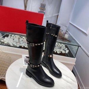 Lüks Rivets Studed Kadınlar Diz Yüksek Boots Siyah Hakiki Deri Flats Uzun Çizme Motosiklet Ayakkabı Kadınlar