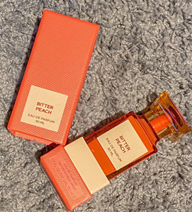 Perfume neutro Todo tipo de estilos 50 ml EDP EDT Perdido cereza amargo Peach Oud Wood Alta calidad Buena Embalaje Largo Duradero Envío gratis