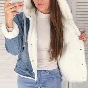 New Women Denim Jacket With Fur Winter Jeans Warm Hooded Velvet Jacket Femme Faux Fur Collar Padded Coats Bomber Windbreake 201016
