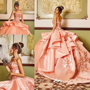 Coral Classic Perlen Plus Size Ballkleid Quinceanera Kleider Schatz Hals Appliqued Sweet 16 Kleid Satin Sweep Zug Pailletten Formale Kleider