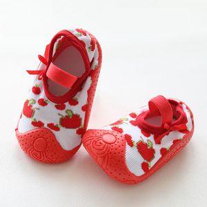 Малыш Детские Обувь Девушки FRIST обувь Детские ходунки Младенец мягкой подошвой против скольжения пинетки девушка Sneaker Новорожденного Резина Носок обуви Y201009