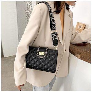 2021 New Fashion Style Designer Designer Crossbody Bag Borse a tracolla Ladies Quality PU Grid Rhombic Handbags Donne Day Cluth Purse di lusso