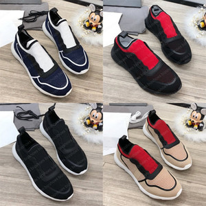 Commercio all'ingrosso Brand Fashion Fashion Designer di lusso Off Black White Knit Branded Maglia Sneakers Runner Scarpe casual leggeri