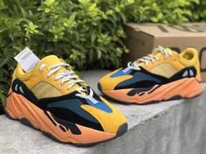 Le scarpe casual da donna da donna di alta qualità 700 di sole Kanye West Real Bottom Sneakers Scarpe da sneakers 3m Reflector Trainer con scatola Spedizione gratuita