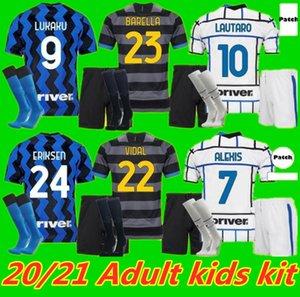 남성 키트 키트 Belella 축구 유니폼 Lukaku Vidal Lautaro Eriksen Alexis 20 21 De Vrij 축구 셔츠 2020 2021 Hakimi 유니폼