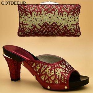 Shoe italiano e Bag Set para o partido nas mulheres Nigerian Women Shoes e Bag Set decorado com strass Shoes Itália