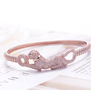 Fashion European and European cross-border jewelry wholesale hot hot style leopard bracelet fashion leopard copper gold inset zirconium hand