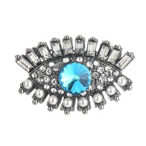 Brooch Silver Eye Pattern Alloy Material Elegant And Exquisite Temperament Fashion Solid Color Wear-Resistant Compact And Novel