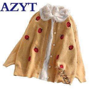 Jacket AZYT Outono Knit Oversize Cardigan Feminino morango Bordado O Neck Knitshirt camisola mulheres Pérola Botões Tops 201006