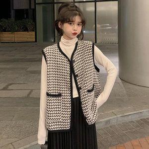 Women's Vests 2021 Korean Vintage Tweed Vest Women Sleeveless Jacket Tassel Pockets Black White Hound Stooth Plaid Waistcoat Y168