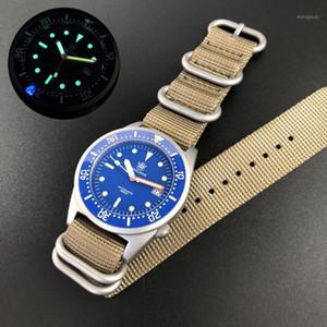 Relojes de pulsera de buceo para hombre Steeldive Hombres Reloj Mecánico Automático 200M Reloj de pulsera a prueba de agua C3 Luminoso Cerámica Bisel Reloj NH351