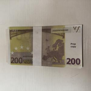 002 Venta caliente 100 paquetes de accesorios mágicos Simulación de monedas 200 Euro Spray Pistola Euro juego Magic Bar Bar Props