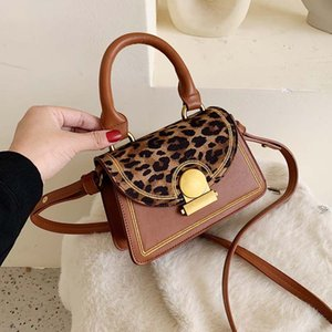 INS Retro Messenger Bag Women's 2020 spring New Korean Fashion Small Square Bag Senior Sense of Foreign Style Shoulder