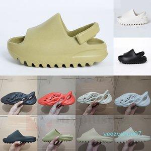 Hot Kids Children Hospital Blue Foam Runner Kanye West Slipper Bone White Earth Triple Black Resin Slides Men Women 450 Fashion Sandal y07