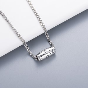 Charm Necklace Supply Box High Quality Silver Plated Necklace Fashion Letter Necklace for Unisex Jewelry Supply