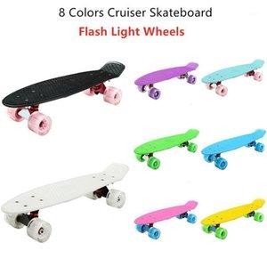 Yeni Mini Cruiser Kaykay 22 inç Çocuk Scooter Longboard Retro Penny Board Yanıp Sönen Tekerlekler Muz SkateBoard Sports1