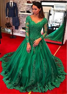 Gorgeous Tulle V-neck Neckline Ball Gown Long Sleeves Evening Dresses Lace Appliques Green Prom Party Gowns Vestidos De Festa