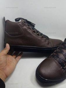 2021 Moda Progettista zapatos nuevo al por mayor High Top Hombre Causal Arena Zapatos Snake Skin Cuero Blanco Rojo Rojo Negro Blinkled Cuero Drop Shippi