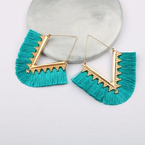 Europa und die Vereinigten Staaten Big Marke Ohrringe Legierung Geometrische Ohrstecker V-Farbe Baumwolllinie Fransen Frühling Farbe Frauen Ohrringe