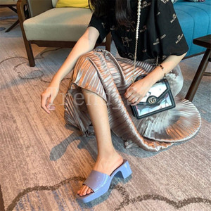 2021 Beach slippers Summer Design Women Shoes Coarser heel flops 100% Patent leather lady Half slipper Metal luxury High heeled sandals