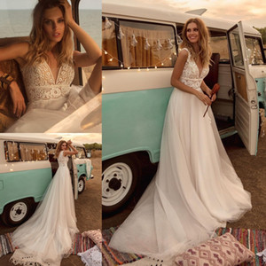 Stylish Lace Beach Wedding Dresses V Neck A Line Bohemian Bridal Gowns Sweep Train Empire Waist Tulle robe de mariée
