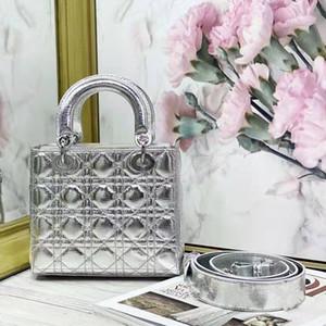 Güncellenmiş Gümüş Lady Çanta Dana Deri Gümüş Toka Omuz Çantaları Amblem Omuz Askısı Kadın Crossbody Çanta Dia Na Çanta 20 cm