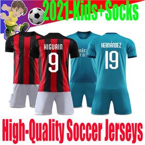 20 21 mejores de los niños de calidad Camisa Ibrahimovic Milán niños de manga corta Deportes jerseyhome juveniles hogar lejos camiseta de fútbol calcetines libres de juego.