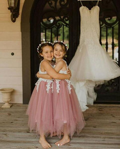 Asymmetrical Tulle Wedding Party Flower Girls' Dresses with Lace Applique Sheer Crew Neck Princess Birthday Party Communion Gowns