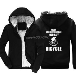 Men Fashion Hoodies Never Underestimate Old Guy Bicycle Cycler Mountain Biker Road Sweatshirt Hip Hop Jackets Hoody Streetwear X1022