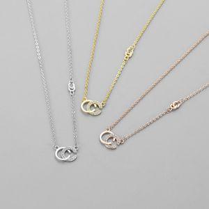 2020 Atacado grife Duplo Cartas de colar de tom de ouro para as mulheres da festa de casamento dos homens jóia presente