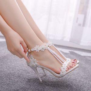 Kristallkönigin Frauen Sandalen weiße Spitze Blumen Perle Quaste Braut 9 cm Ferse Feine High Heels Schlanke Brautpumpen Hochzeit Schuhe C0202