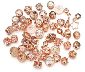 Hotsale en ligne en alliage Pan or de style Couleurs lettre imprimée Charms pour le bricolage Bracelets 50pcs dans un ensemble de Perles Accessoires Bijoux