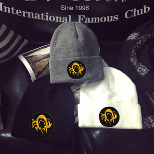 تخصيص Embrodiery قبعات الشتاء METAL GEAR SOLID 5 V GROUND أصفار HOUND CAP HAT BEANIE صوف أغطية الرأس الكبار تدفئة