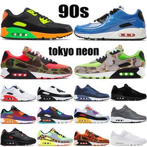Scarpe da corsa per cuscino da 90 anni Tokyo Neon inversa anatra camo lucido gioco verde Royal Triple Black White Mens Sneakers Donne formatori US 5.5-11