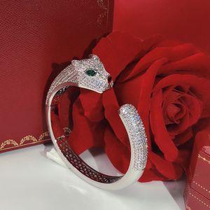 Personality domineering Leopard Bracelet Women's Bracelet Hot Free shipping Luxurious Dance Bracelet Giving gifts high quality bracelets