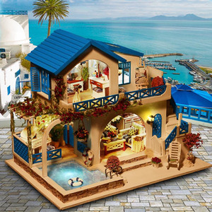 Welcome to the toy house, the mini houseCreative handicraft building cabinEducational toysRed sea sky villa and Princess Room