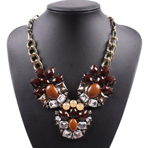 2020 Fashion New Vintage Gold Color Plated Chain Crystal Resin Flower Pendant Statement Women Necklace Handmade Female Jewelry