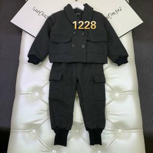 Yüksek versiyon 2020 sonbahar ve kış yeni çocuk Koreli çocuk giyim erkek rahat giyim + buzağı pantolon ceket iki parçalı set 1228c018