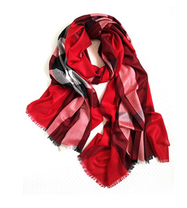 The spring and autumn big plaid scarf loose fine wool fashion lady must all-match wine red shawl collocation camel dual-purpose classic Brit