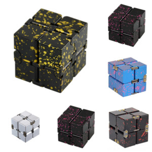 UM838 New Rubik's Gear Rubik Cube directo Diamond Metal Infinite Cube Diamond Diamond Stey Stitch Pattern Pattern Pegatina